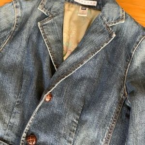 Gap denim jean jacket size 2